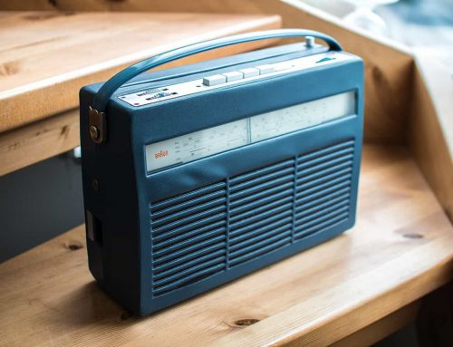 Repairing the 1961 transistor radio Braun T220