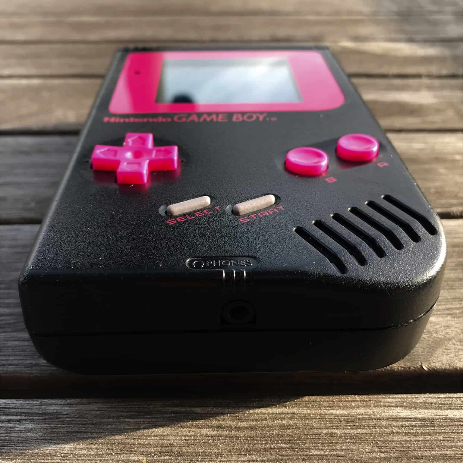 Black Gameboy DMG-01 modded for best video and sound